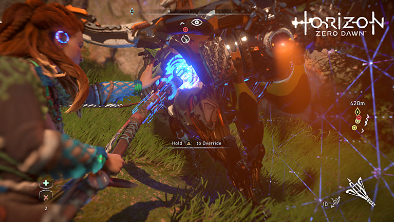 Aloy uses the ropecaster