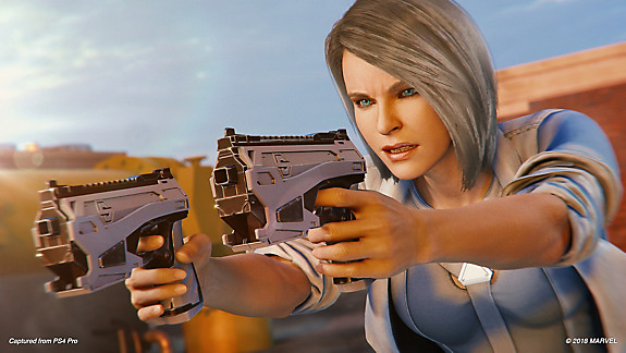 Silver Sable pointing her guns