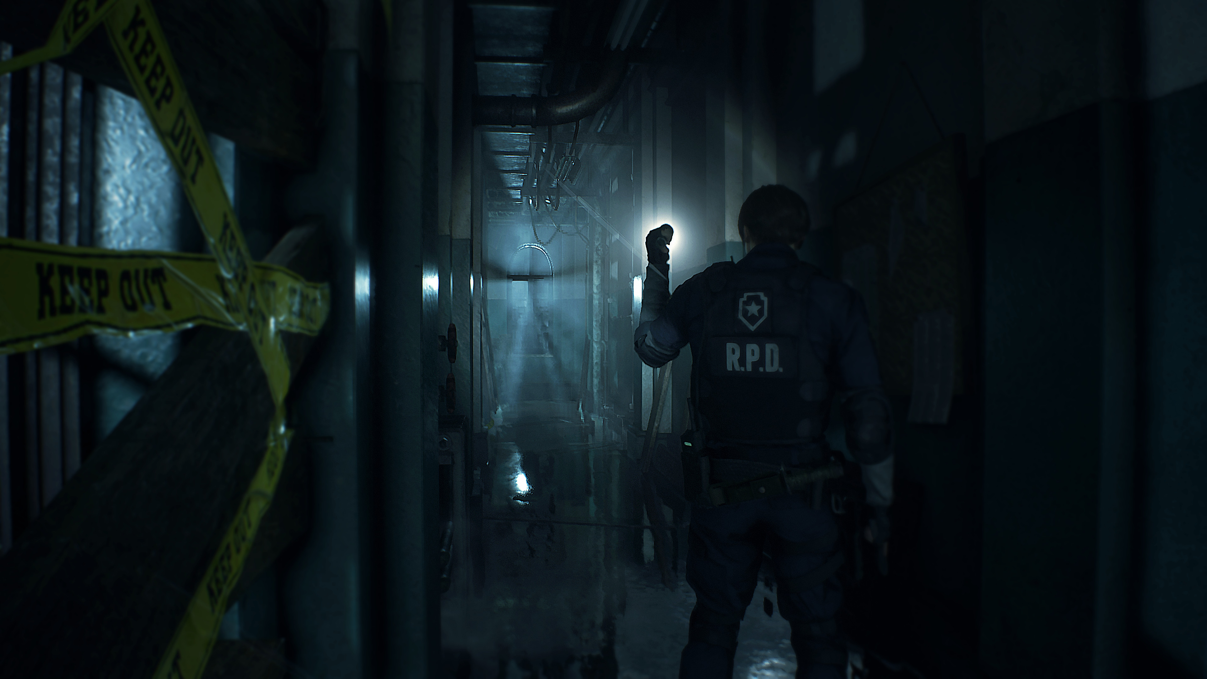 Resident Evil 2 Game Features Screenshot 1 - Exploring a Dark Corridor