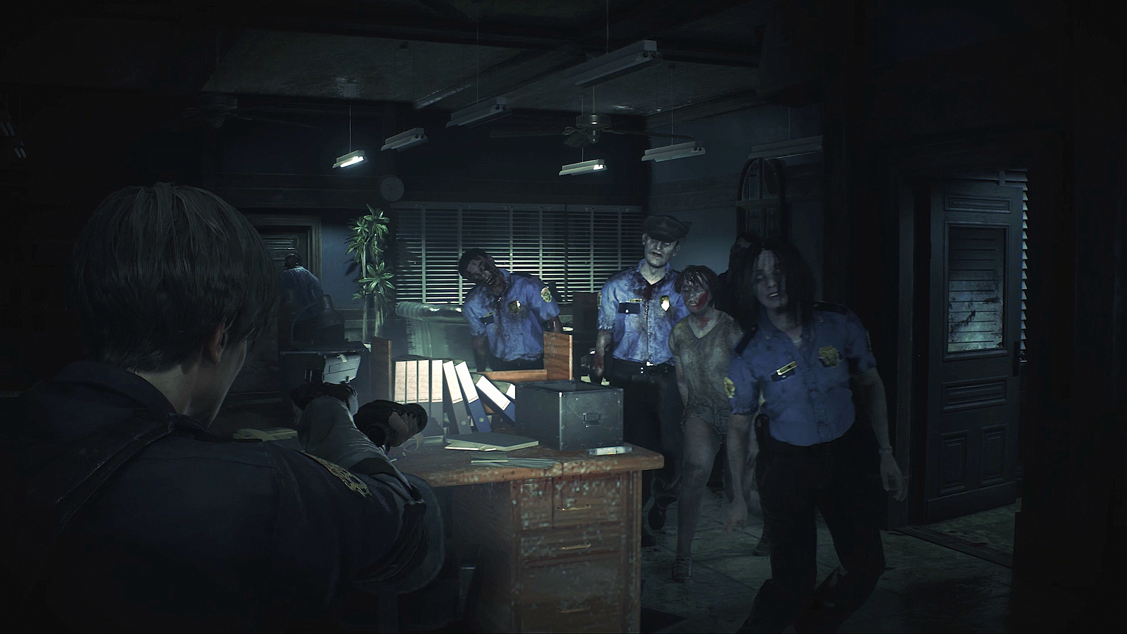 Resident Evil 2 Game Features Screenshot 2 - Shooting Zombies
